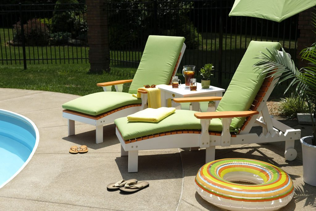 poly lounge chairs tangerine white sm 1024x683 1